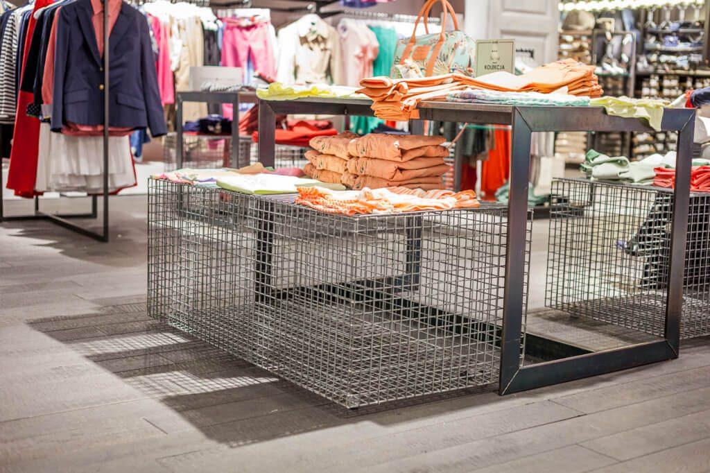 wyposazenie przestrzeni handlowej answear6