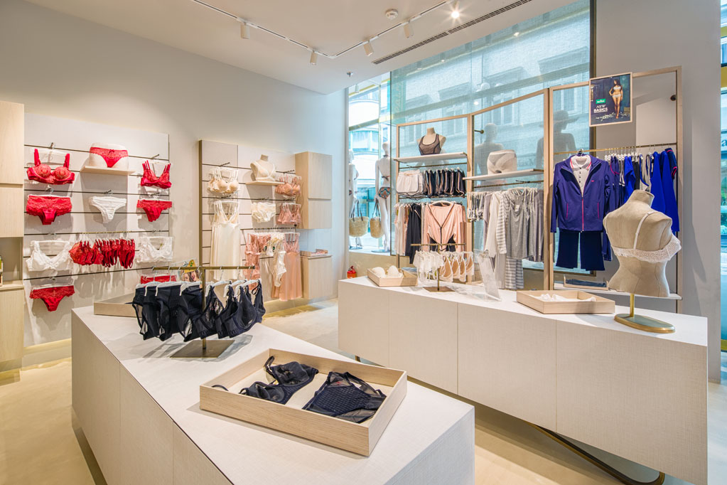 wyposażanie sklepów w centrach handlowych