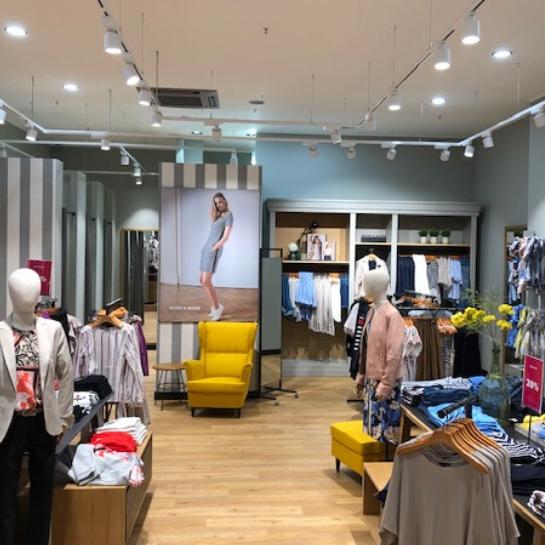 testSeria sklepów More & More w Niemczech przygotowana przez Ergo Store