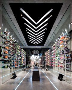 Jak wyznaczyć klientowi sklepu ścieżkę zakupów przy pomocy światła? - blog Ergo Store