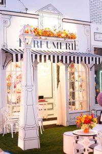 Ilustrowane dekoracje w przestrzeni sklepowej - blog Ergo Store