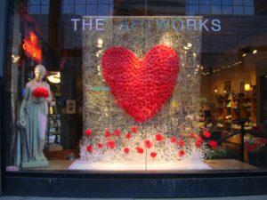 Jak zaplanować zmiany ekspozycji w sklepie stacjonarnym?